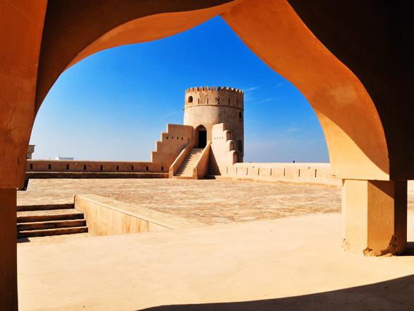 Emiratos Árabes Unidos, Omán