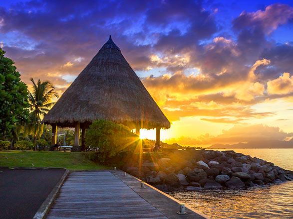 Croisière OFFRE SPÉCIALE : Tahiti et les Îles de la Société - Vol inclus !