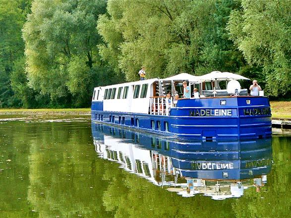 Croisière sur le canal de la Marne au Rhin de Lagarde à Strasbourg (XOS)