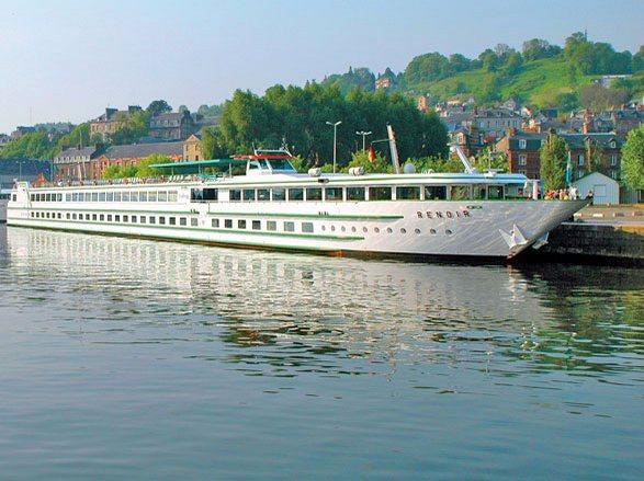 photo ab no33300 navire MS Renoir (ou similaire)