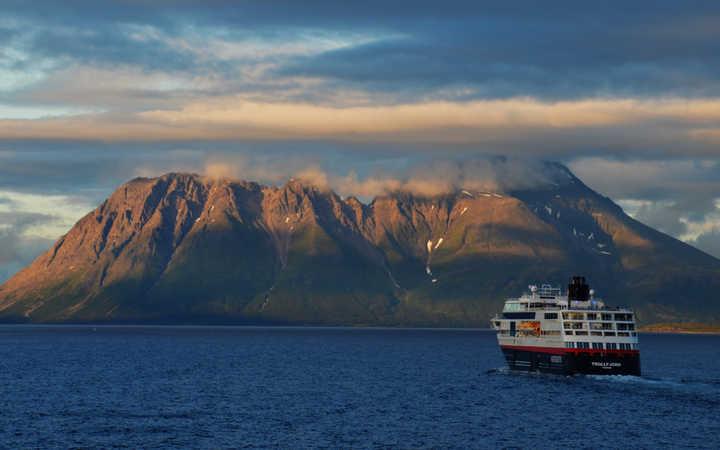 MS Trollfjord (ou similaire)